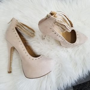 JustFab heels size 7 ankle chain & stud detail